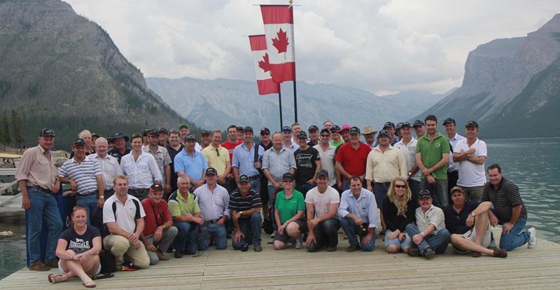 Group Tour Photo Lake Minnewanka 1